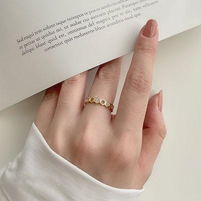 單戒指 - 幾何鏤空造型鑲鑽戒指 - 飾品調色盤   迪希雅 deesir