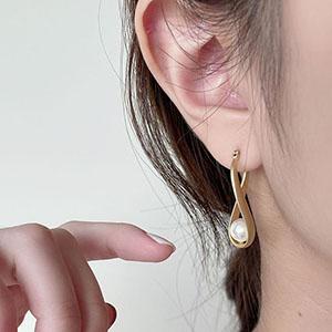 針式耳環 - 橢圓環繞鏤空珍珠耳環 - 飾品調色盤 | 迪希雅 deesir