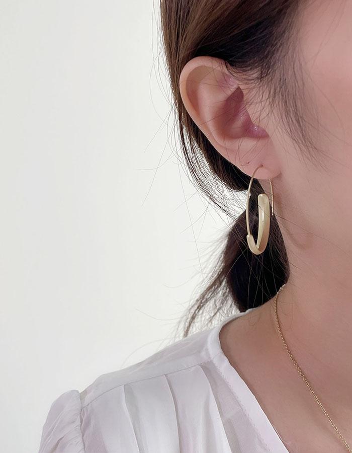 針式 - 簡約霧金耳圈 - 飾品調色盤 | 迪希雅 deesir