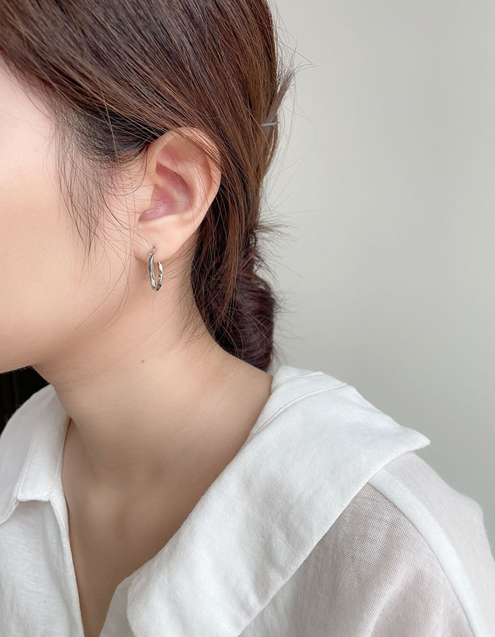 針式耳環 - 銀色不對稱鋯石耳環 - 飾品調色盤   迪希雅 deesir
