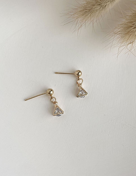 針式耳環 - 水鑽三角框耳環 - 飾品調色盤 | 迪希雅 deesir
