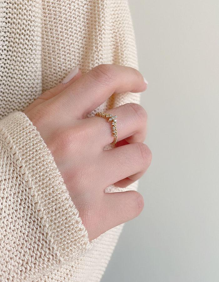 單戒指 - 輕奢皇冠水鑽戒指 - 飾品調色盤   迪希雅 deesir