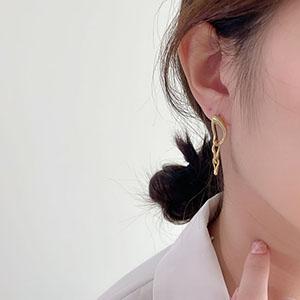 針式 - 霧金扭曲鍊條耳環 - 飾品調色盤 | 迪希雅 deesir