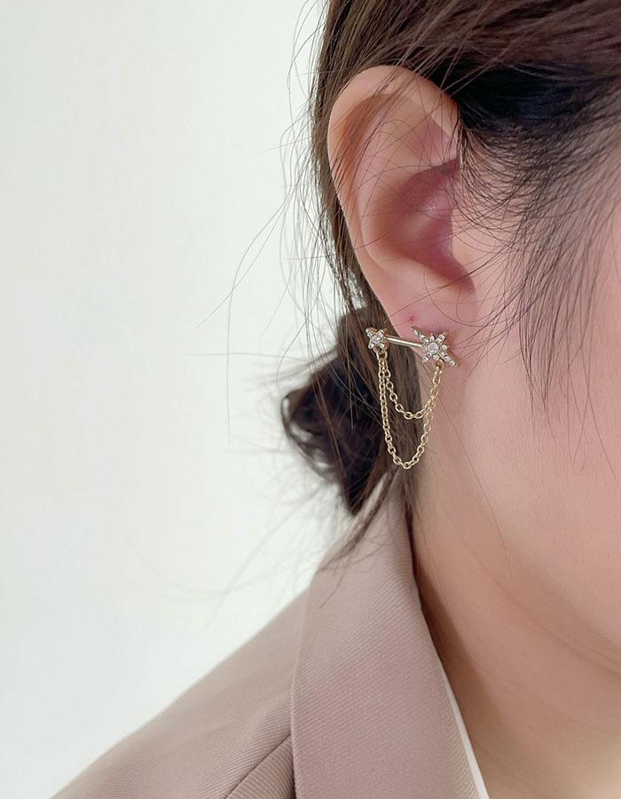 針式 - 不對稱鑲鑽星芒耳環 - 飾品調色盤 | 迪希雅 deesir