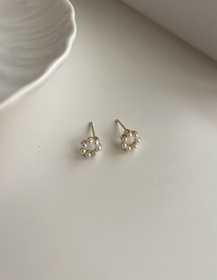 針式耳環 - 小花珍珠耳環 - 飾品調色盤 | 迪希雅 deesir
