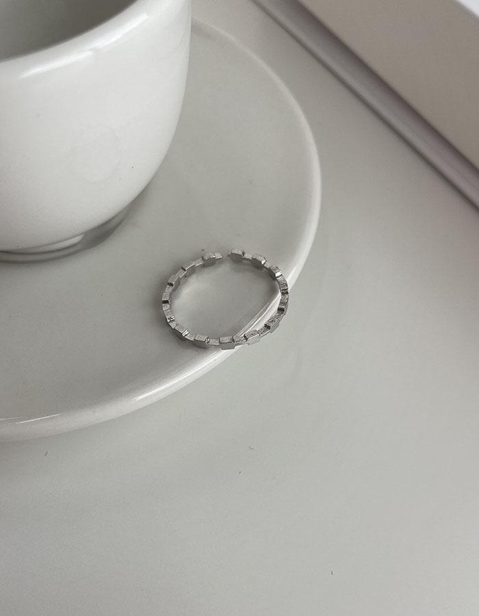 單戒指 - 極細小方塊戒指 - 飾品調色盤 | 迪希雅 deesir