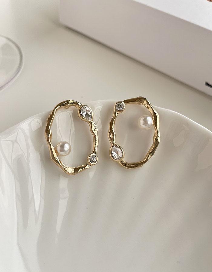 針式 - 鏤空圓形珍珠耳環 - 飾品調色盤 | 迪希雅 deesir