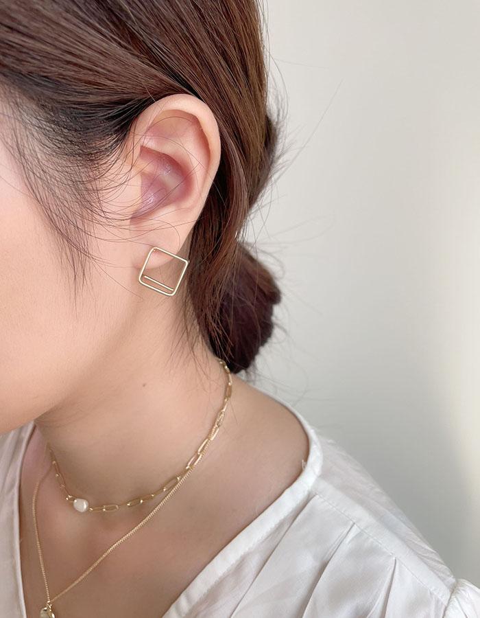 針式耳環 - 鏤空立體方形耳環 - 飾品調色盤   迪希雅 deesir