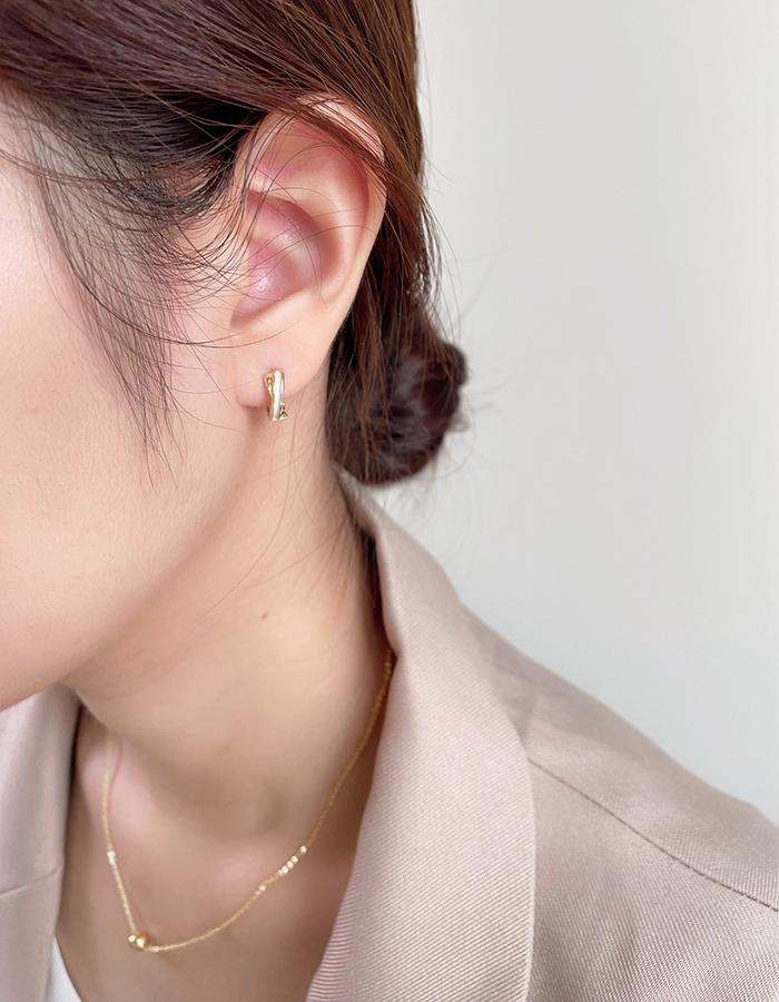 針式 - 氣質貝殼C字耳環 - 飾品調色盤 | 迪希雅 deesir